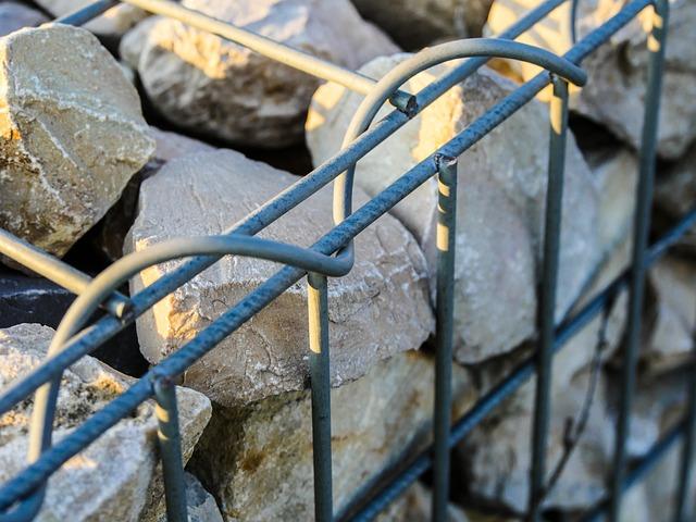 Hangsicherung mit Steinkörben und Gabionen